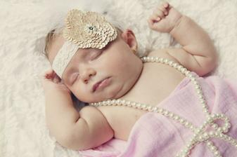 7.1.2011 se nam narodila Ella Lucia :-))))