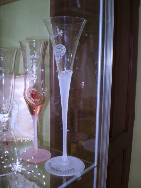 """Deň """"D"""" 19.9.2009 - pekný pohár svadobný, velmi sa nám páčil, ešte uvidíme"""