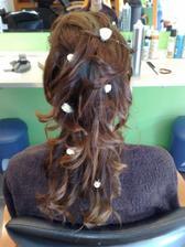 alebo ix rozhádzať až takto po spodok vlasov?