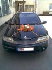 naše svadobné autíčko....skúška výzdoby