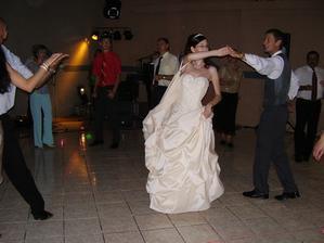 tanec s prvým družbom