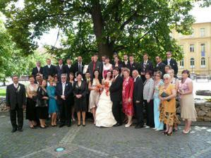 všetci svadobní hostia