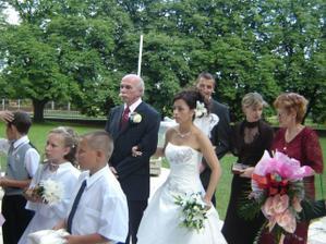 moje krniatka, rodičia a svedkovia
