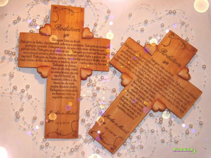 Svadobné krížiky - štvorsrdiečkové krížiky s gravírovaním textu podľa Vášho priania