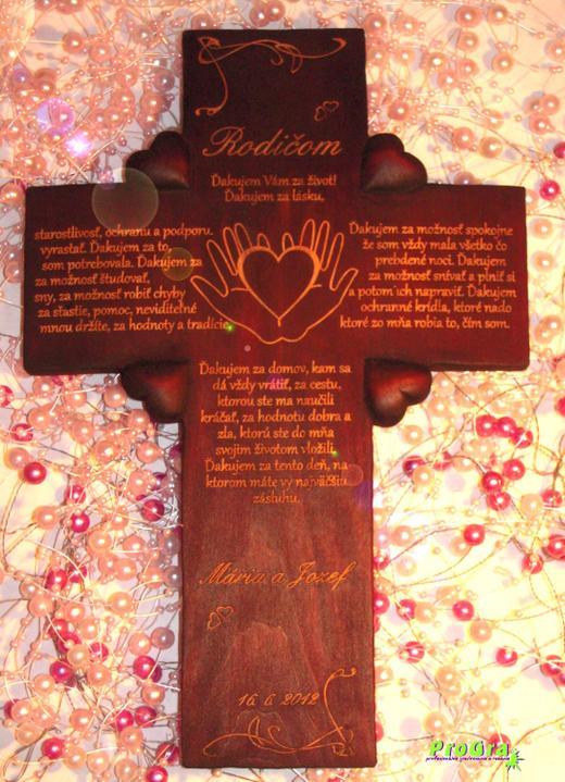 Svadobné krížiky - grafika s ručičkami na ručne vyrobenom krížiku