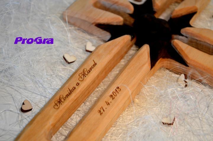 Svadobné krížiky - Gravírovanie svadobného krížika u nás