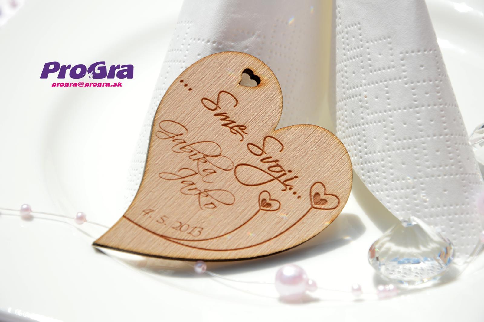 Detaily pre Váš svadobný deň - Drevené minisrdiečka z našej ponuky
