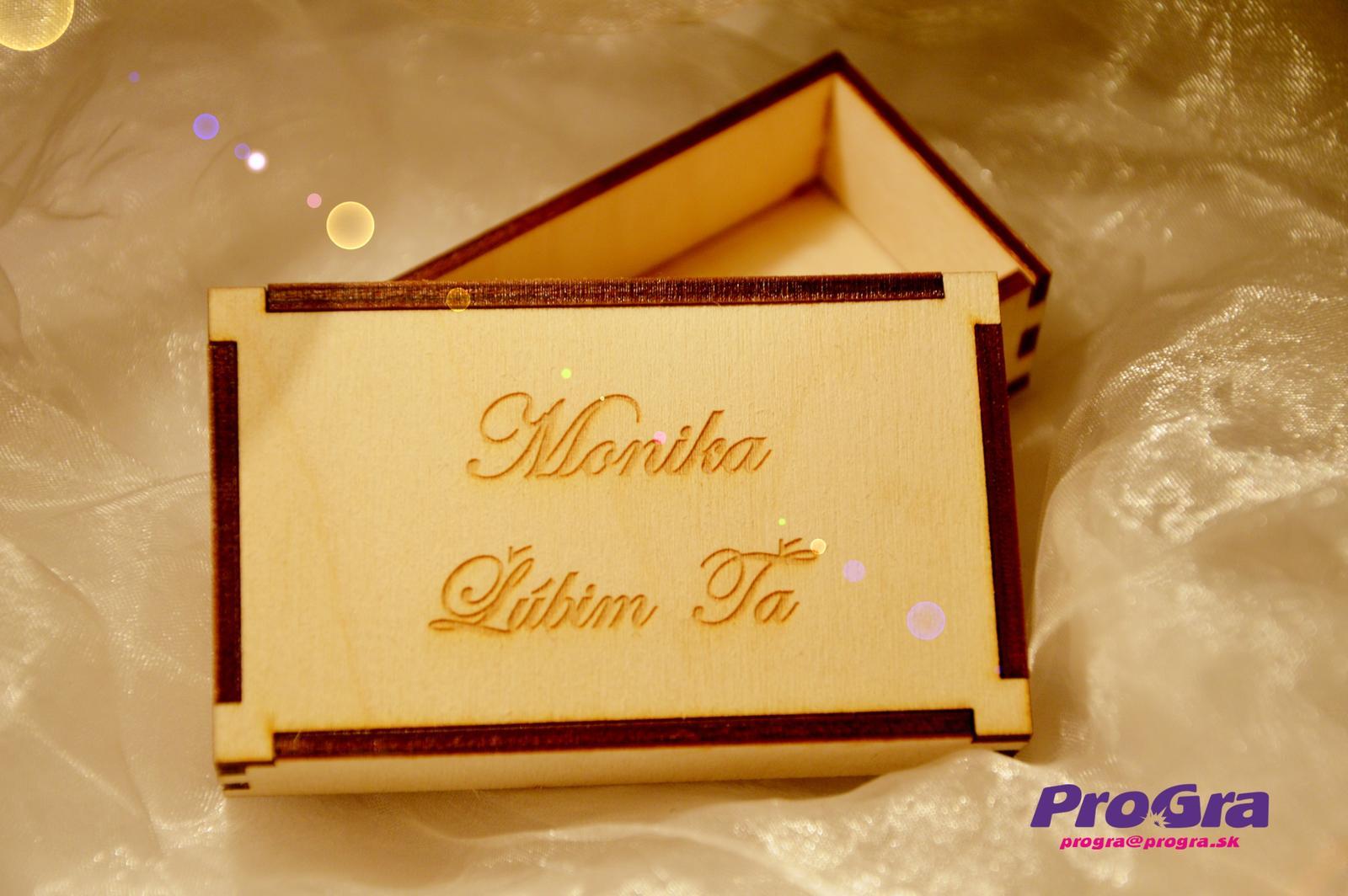 Po svadbičke - darčeková krabička z drevenej preglejky vyrobená na mieru a gravírovaná nápisom podľa priania zákazníka