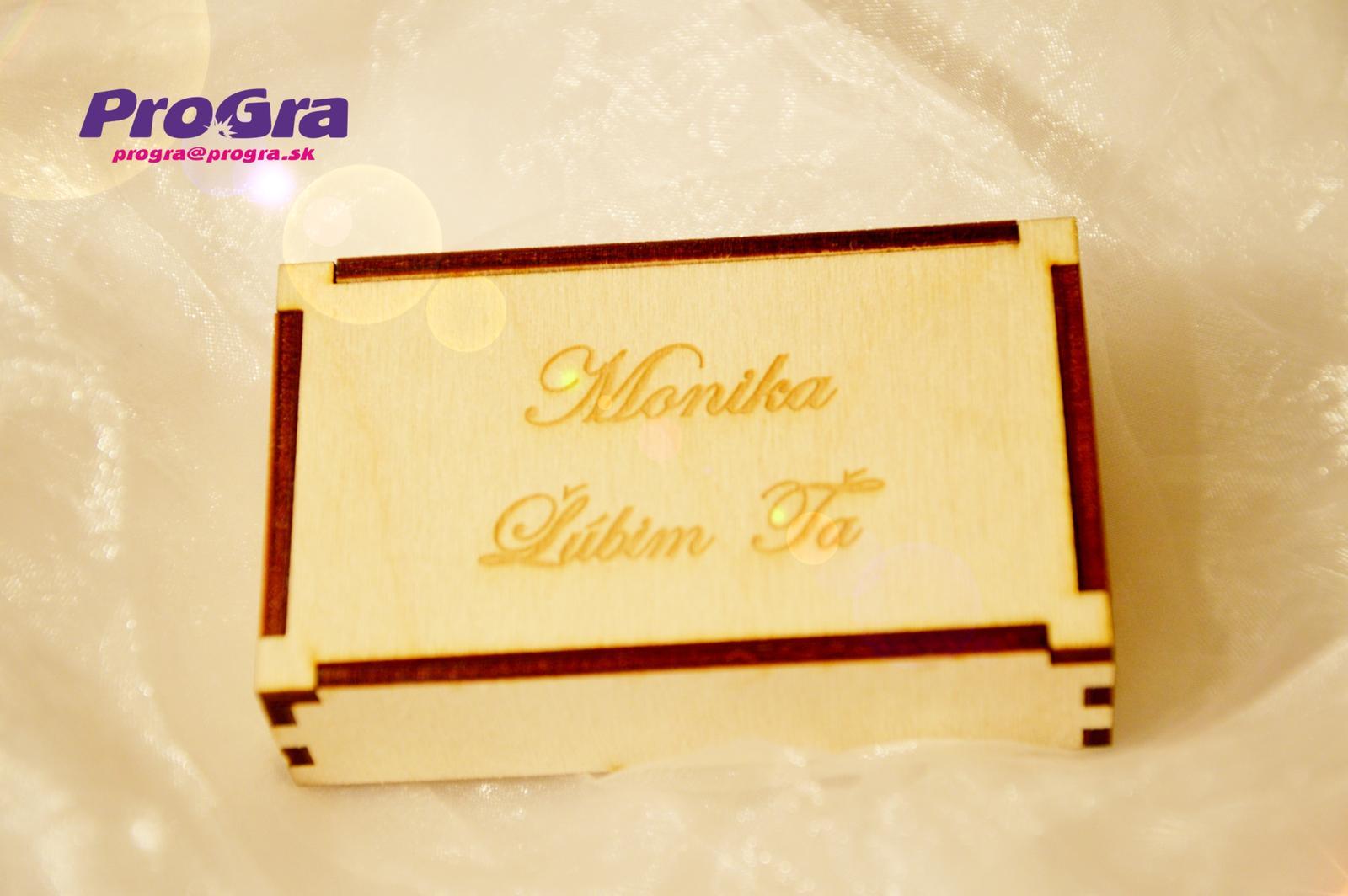 Po svadbičke - krabičku vyrobíme aj podľa Vami stanovených rozmerov a samozrejme dekor môže byť tiež upravený podľa Vašich kritérií