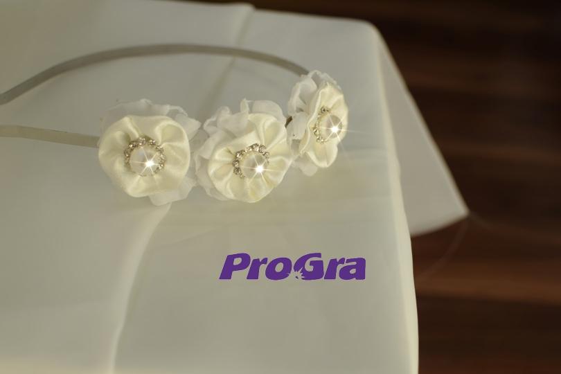 Detaily pre Váš svadobný deň - Perličková - svadobná čelenka s ručne šitými kvietkami