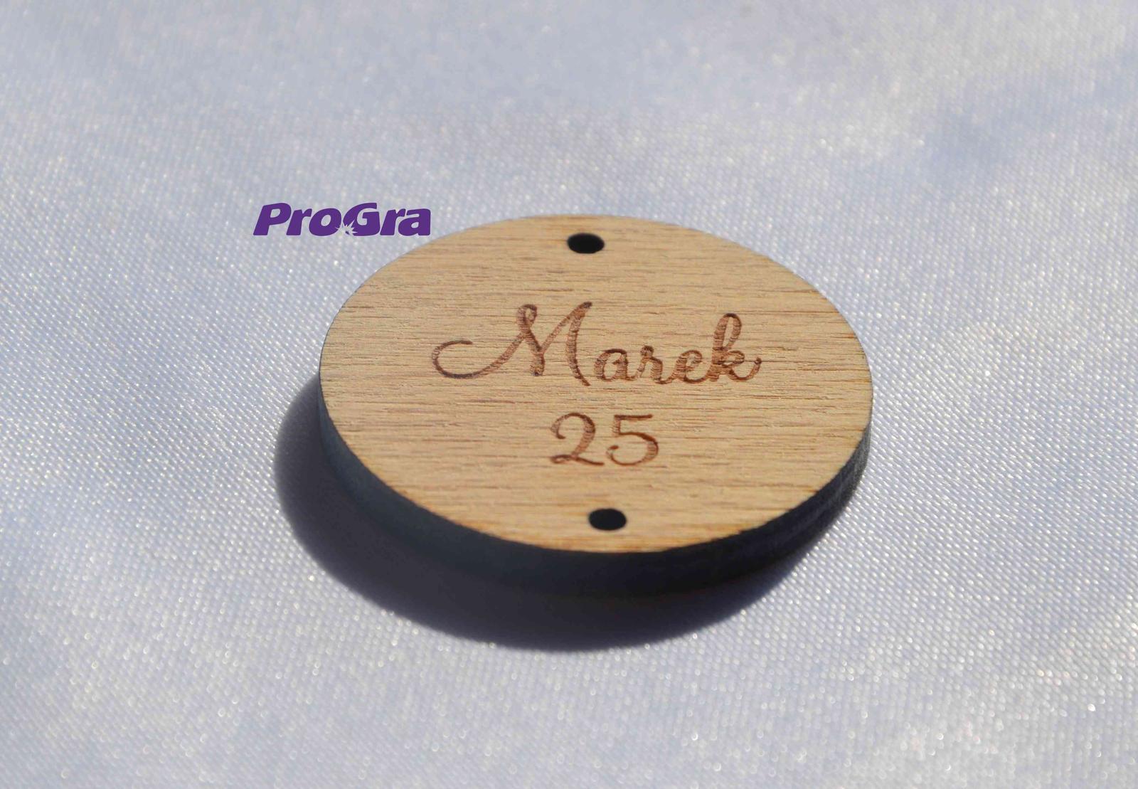 Po svadbičke - Doplnok gravírovaný krúžok - vyskladajte si svoj originálny rodinný kalendár!