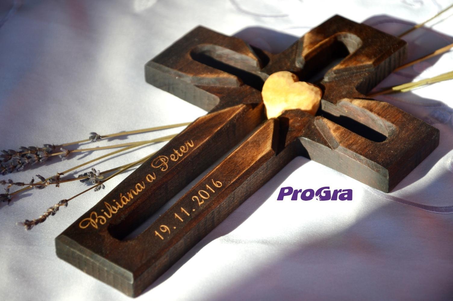 Svadobné krížiky - Lúčový krížik - tmavý, pamiatka nie len pre snúbencov