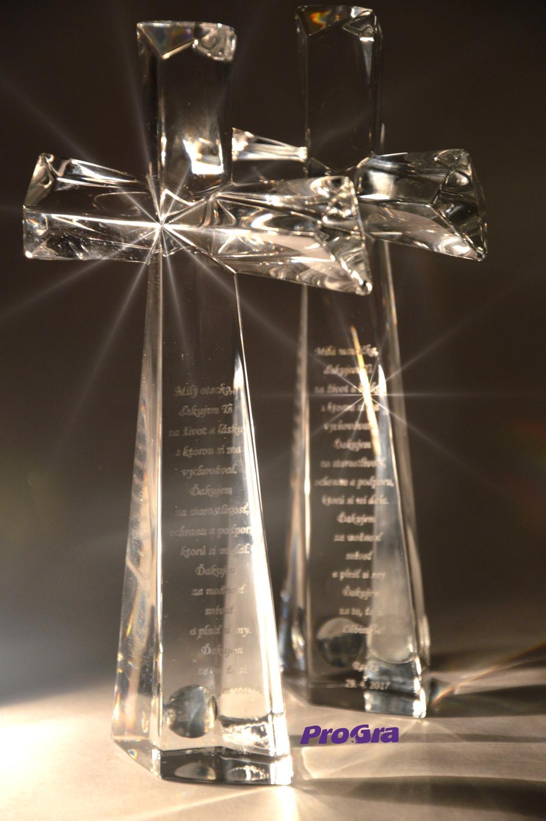 Svadobné krížiky - Krásne sklené krížiky s gravírovaním podľa priania
