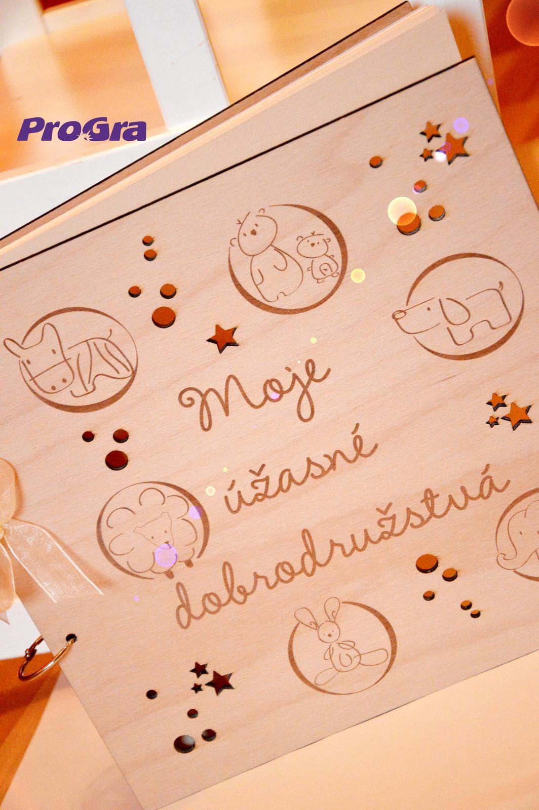 Po svadbičke - Krásne gravírovaný a rezaný fotoalbum s drevenými doskami - možnosť personalizácie