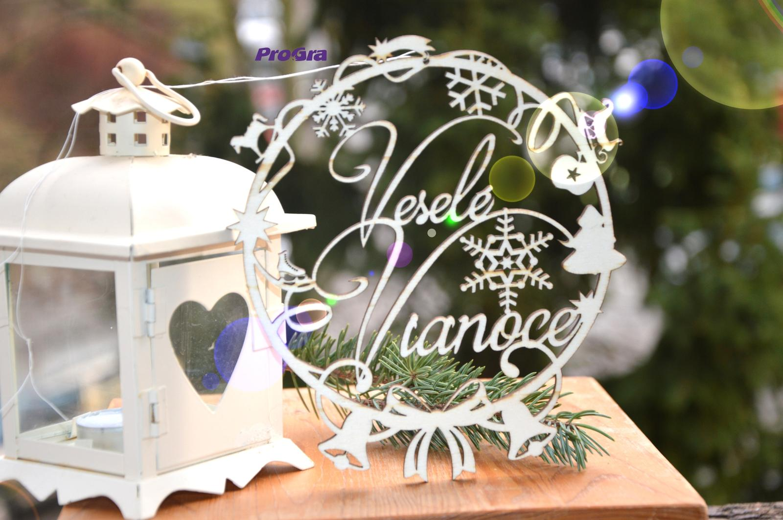 Po svadbičke - krásny drevený venček na dvere