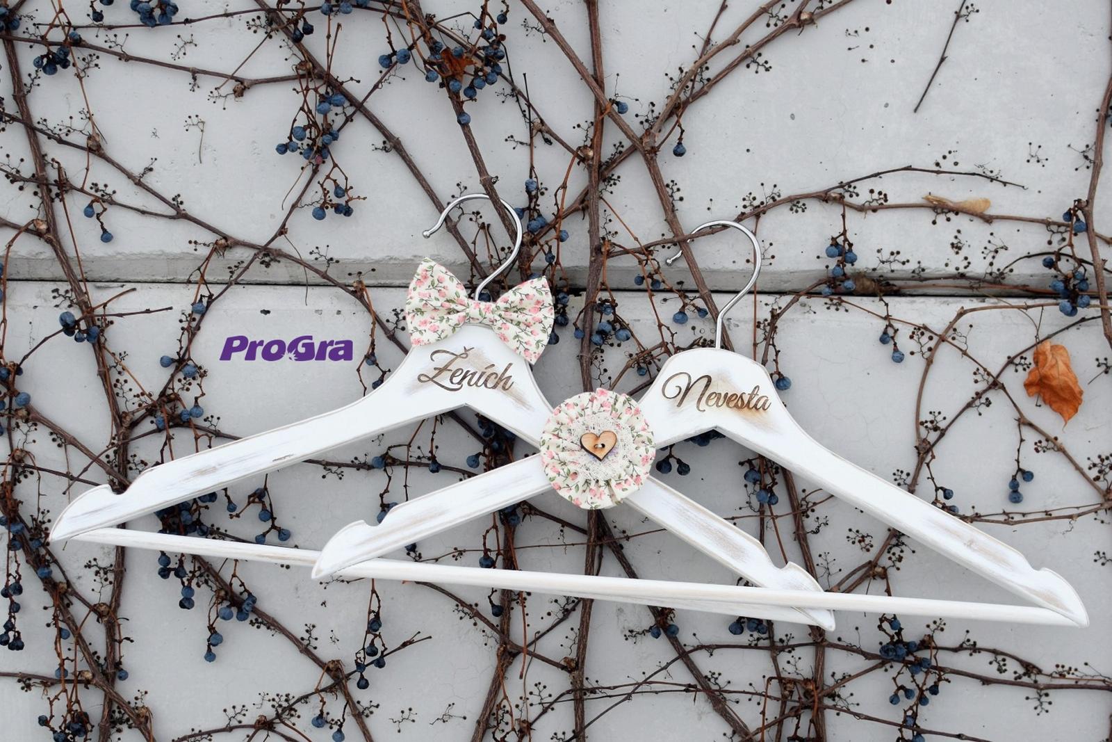 progra - Svadobné vintage vešiačiky ružové kvietky, milá pamiatka na váš najkrajší deň
