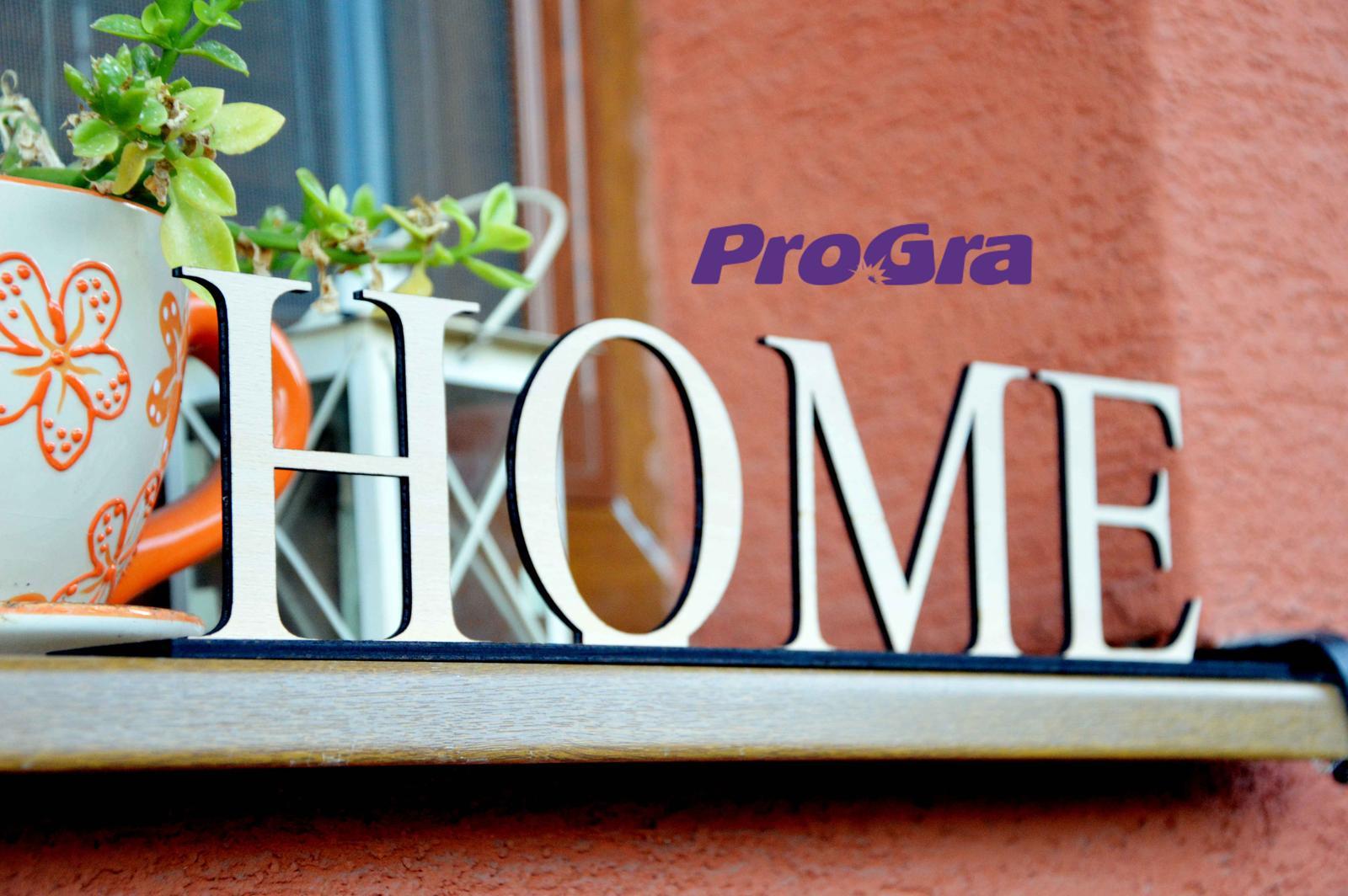 HOME - drevený nápis na stojančeku - Obrázok č. 1