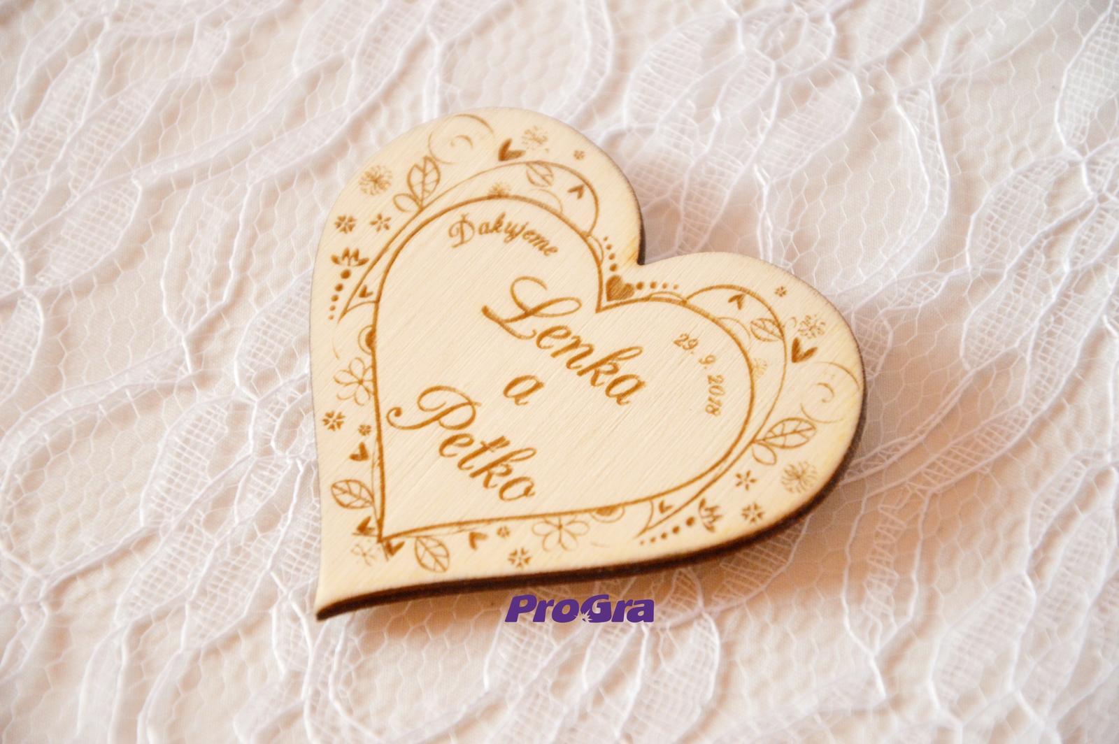 Drevená magnetka - Na Lúke - svadobná  - Obrázok č. 2
