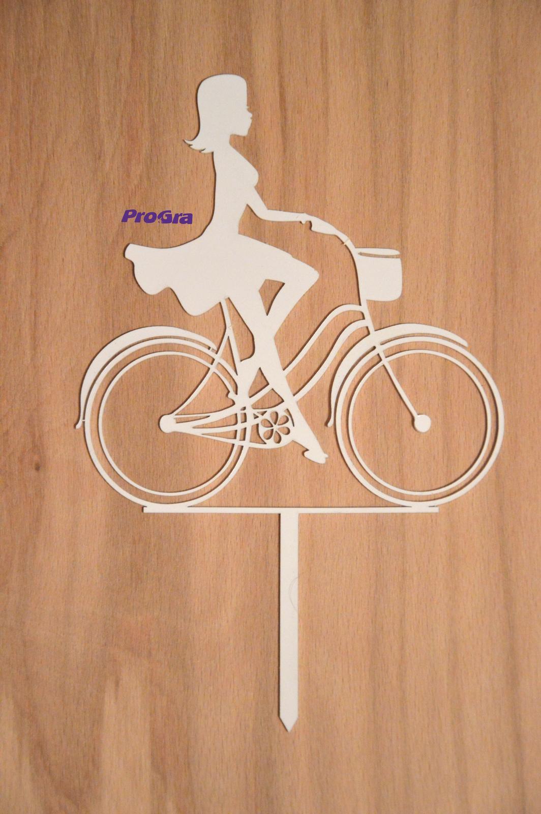 Cyklistka - biely zápich - Obrázok č. 1