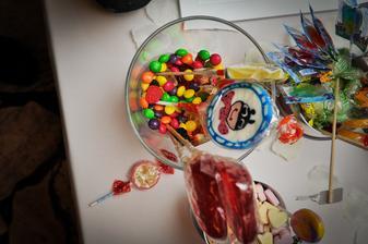 Pult sladkostí pre deti sa míňal bleskovou rýchlosťou.....