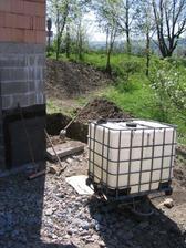 příprava na osazení nádržky na dešťovou vodu