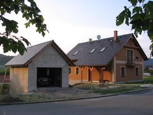 domeček s garáží