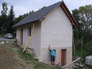 dokončení západní strany fasády