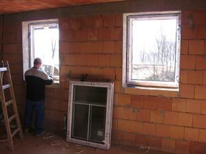 okna v obýváku