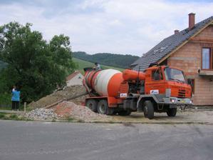 a už to jede - beton C12/15