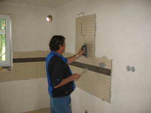 spárování mozaiky v kuchyni