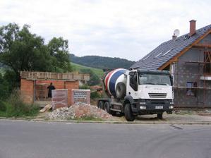 návoz betonu na věnce