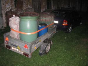 na vozík a odvézt do pálenice (cca 600 kg kvasu)
