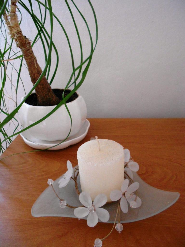 3 ks biele porcelánové kvetináče s miskou - Obrázok č. 1