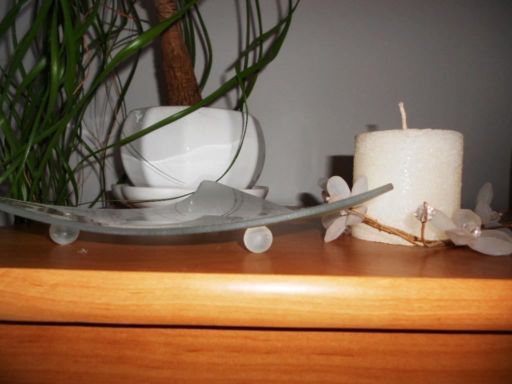 3 ks biele porcelánové kvetináče s miskou - Obrázok č. 2