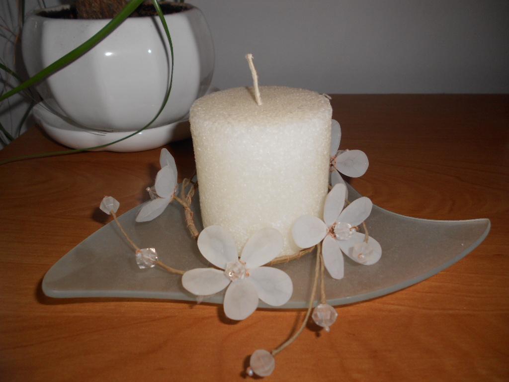 3 ks biele porcelánové kvetináče s miskou - Obrázok č. 3