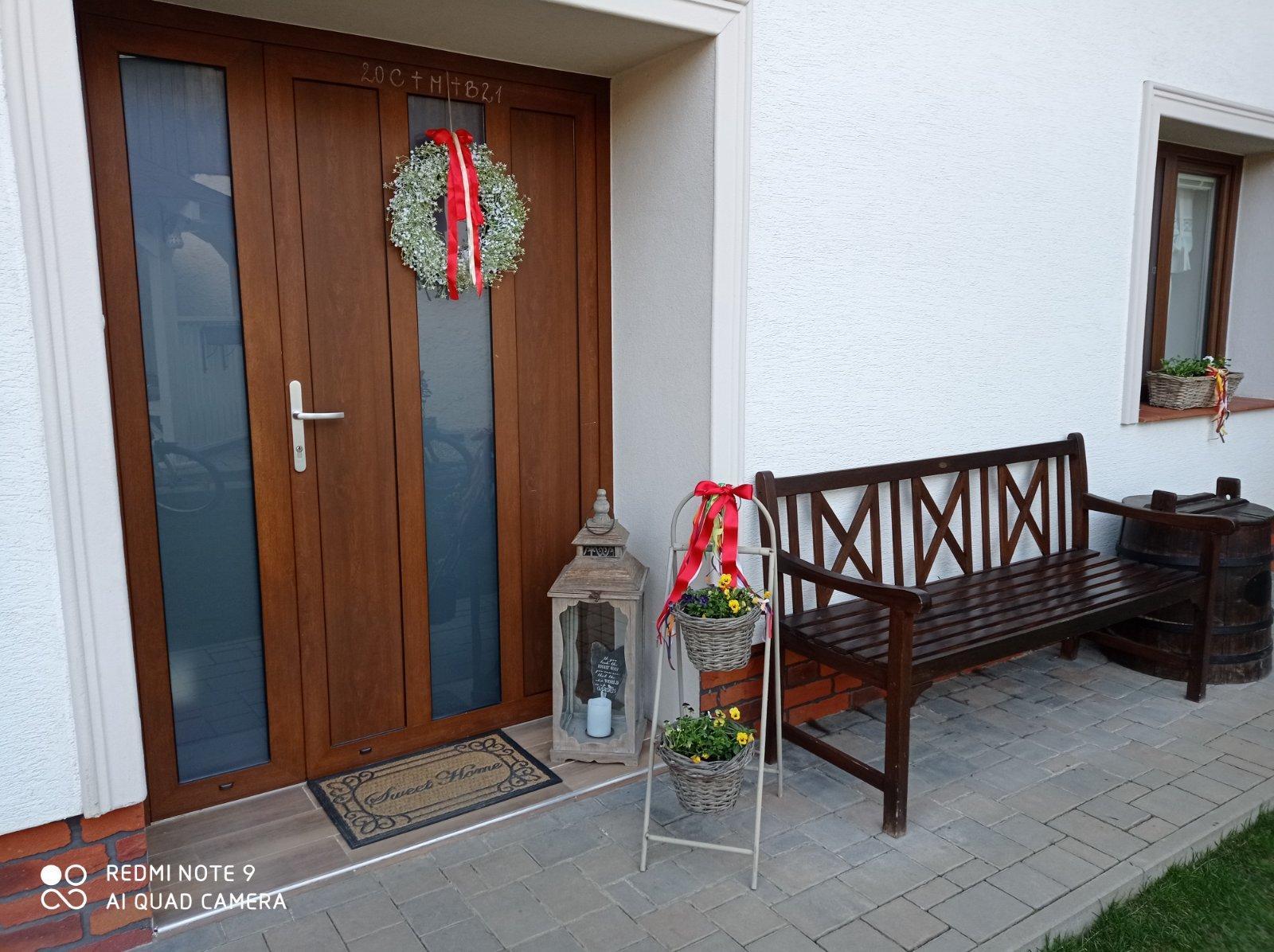 Kvalitná drevená lavička - lavica pre 3 osoby  super - Obrázok č. 3