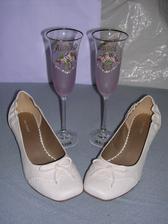 Moje papučkovité topánočky a naše poháre