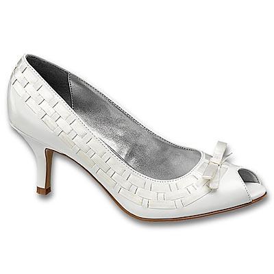 Čo už máme vybavené - topánočky na začiatok...xixi...som zvedavá, koľko v nich vydržím...:-)