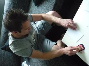 ruční práce - razítkování obálek (nebylo to moc dobrovolné :))