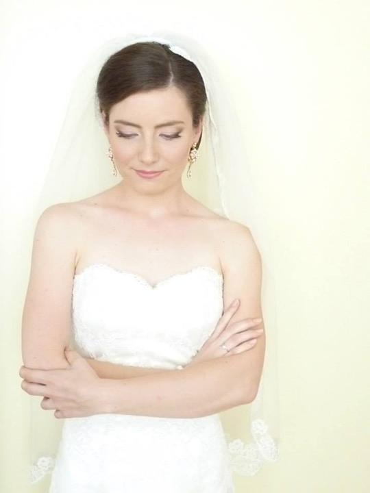 Pani manžel{{_AND_}}Pán manželka - už nalíčená čakám na ženícha...pred odobierkou :)