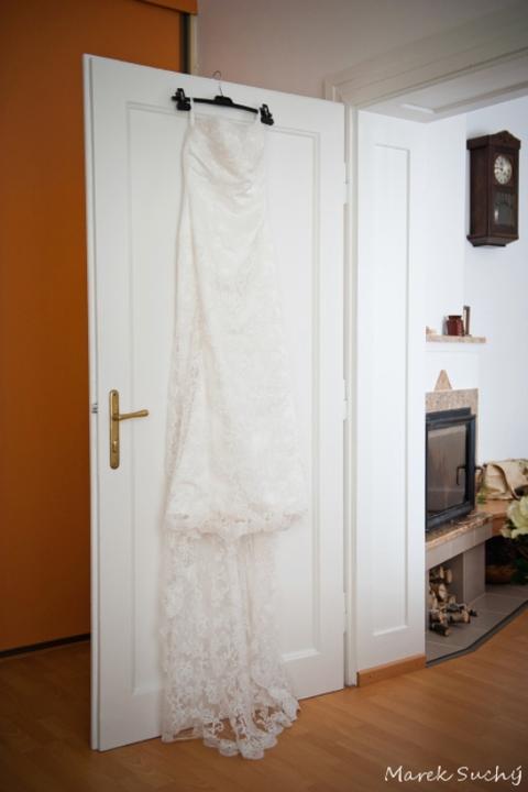 Pani manžel{{_AND_}}Pán manželka - obuvník chodí bosý...a moje šaty visia na plastovom vešiaku :D