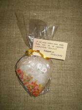 ... takto vizerali darceky pre hosti ... pernikove srdiecka piekla moja mamka a samozrejme aj zdobila ...