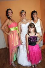 Mamka a jej 3 dcerušky :)