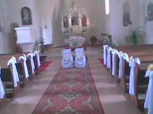 Vlastna vyzdoba kostola,zla kvalita fotiek,ale v skutocnosti to vyzeralo super :)