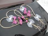 Svatební srdce na auto - barva a květiny na přání,