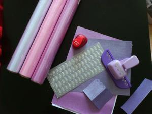 priprava na vyzdobu: bielo ruzovo fialova :)