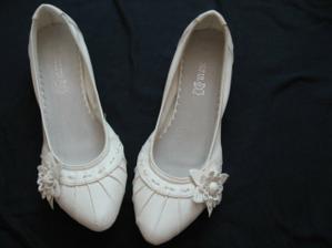 Boty od Vietnamců...Pro případ, že v botech na podpatku dlouho nevydržím :o)