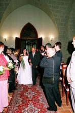 před předání ženichovi