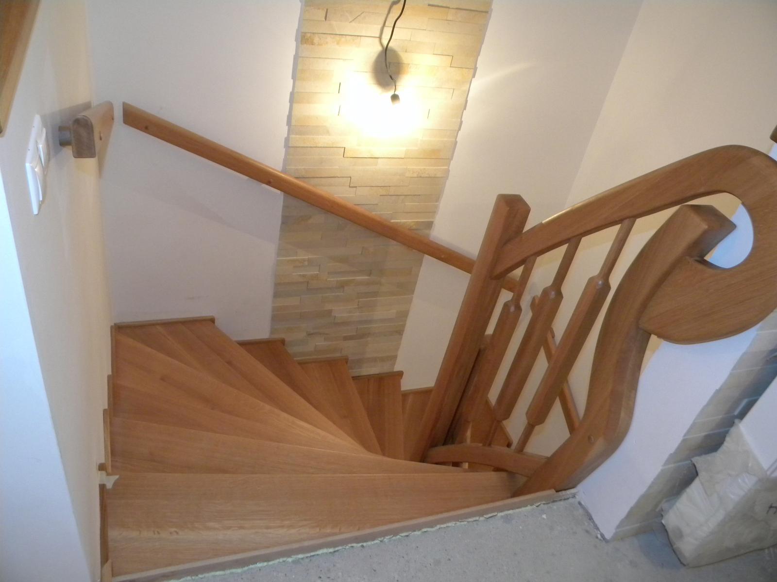 drevene schody a zabradlia - Obrázok č. 2