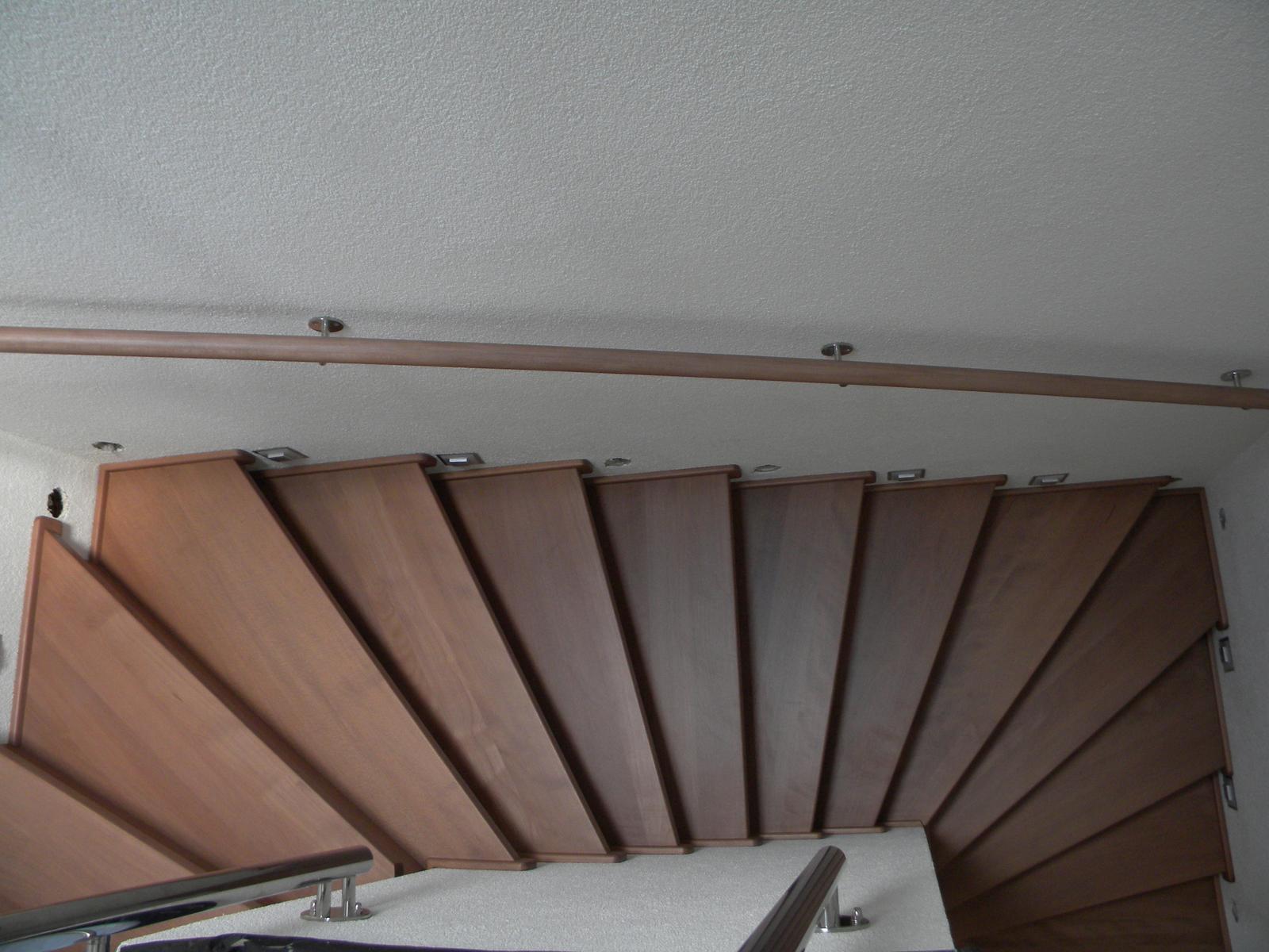 drevene schody a zabradlia - Obrázok č. 3